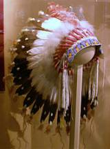 Westfälisches Museum für Naturkunde (Münster), feathered headdress of the Sioux - Courtesy Wikimedia Commons/GNU Free Documentation License